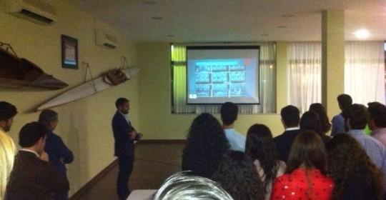Conferencia sobre «Cirugía oral e implantes dentales en el medio hospitalario»